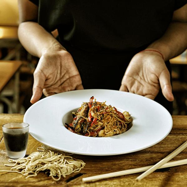 petit-comite-sevilla-platos-yakisoba